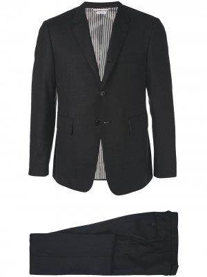 Однотонный строгий костюм Thom Browne. Цвет: черный