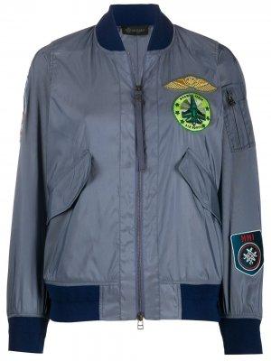 Куртка-бомбер с нашивками Mr & Mrs Italy. Цвет: серый
