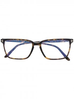 Очки FT5696-B в квадратной оправе TOM FORD Eyewear. Цвет: коричневый