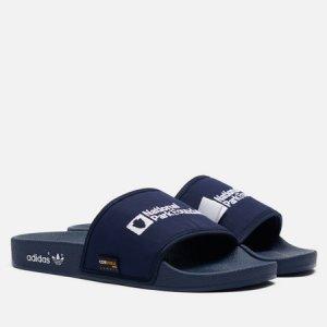 Мужские сланцы x National Park Adilette adidas Originals. Цвет: синий