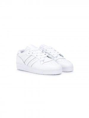 Кроссовки с полосками adidas Kids. Цвет: белый