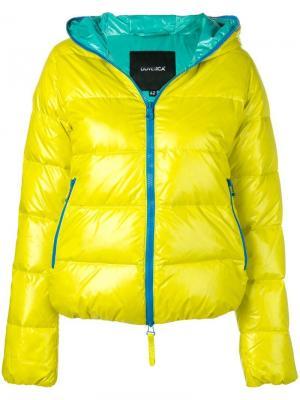Пуховая куртка с капюшоном Duvetica. Цвет: желтый