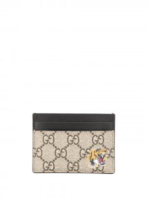 Картхолдер с узором GG Supreme Gucci. Цвет: коричневый