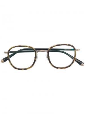 Очки в черепаховой оправе Matsuda. Цвет: черный