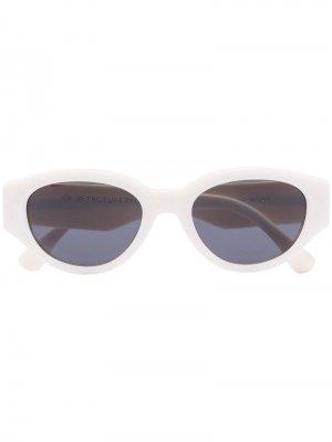 Солнцезащитные очки Drew Mama в овальной оправе Retrosuperfuture. Цвет: белый