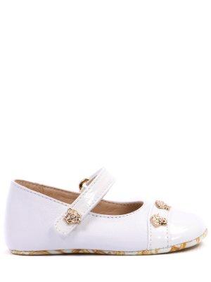 Туфли кожаные для девочки Versace. Цвет: белый