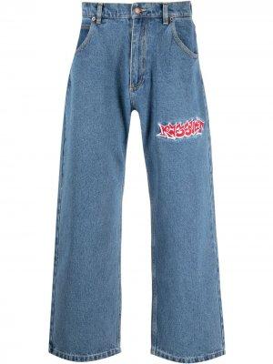 Широкие джинсы с вышивкой PACCBET. Цвет: синий