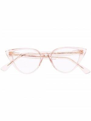 Солнцезащитные очки в прозрачной оправе кошачий глаз Ahlem. Цвет: розовый