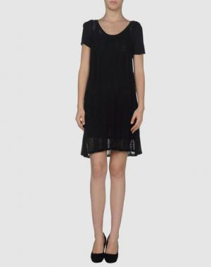 Короткое платье ANIS. Цвет: черный