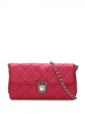 Стеганая сумка на плечо Prada Pre-Owned. Цвет: красный