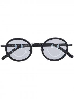 Солнцезащитные очки с принтом на линзах Chinatown Market. Цвет: черный