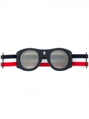Round frame sunglasses Moncler Eyewear. Цвет: синий
