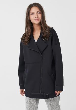 Куртка Fly. Цвет: черный