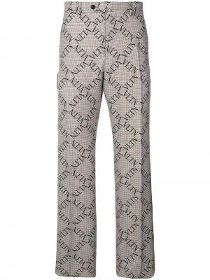 Классические брюки в клетку с логотипом Valentino