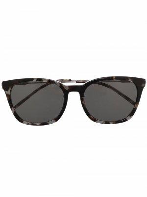 Солнцезащитные очки в квадратной оправе DKNY. Цвет: черный