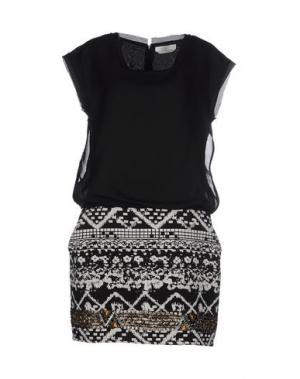 Короткое платье AAIKO. Цвет: черный