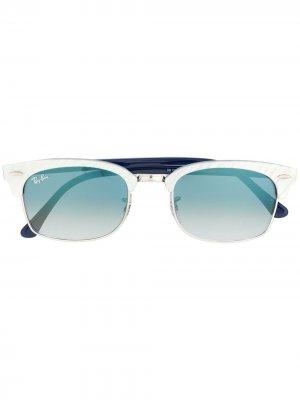 Солнцезащитные очки в D-образной оправе Ray-Ban. Цвет: синий