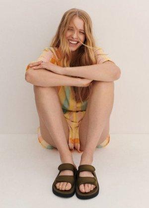 Сандалии с ремешками и липучкой - Eva Mango. Цвет: хаки