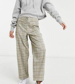 Коричневые прямые брюки с наружной молнией и узором в клетку ASOS DESIGN Petite-Коричневый цвет Petite