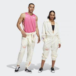 Комбинезон Love Unites (Унисекс) Originals adidas. Цвет: белый