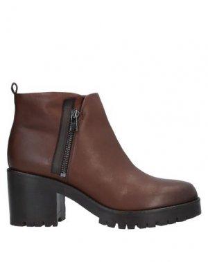 Полусапоги и высокие ботинки CARMENS. Цвет: какао