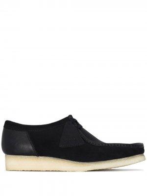 Туфли Wallabee с контрастной вставкой Clarks Originals. Цвет: черный