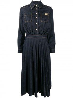 Джинсовое платье с плиссированными вставками Elisabetta Franchi. Цвет: синий