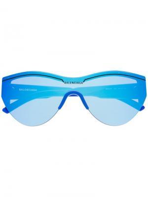 Зеркальные солнцезащитные очки оверсайз Balenciaga Eyewear. Цвет: синий