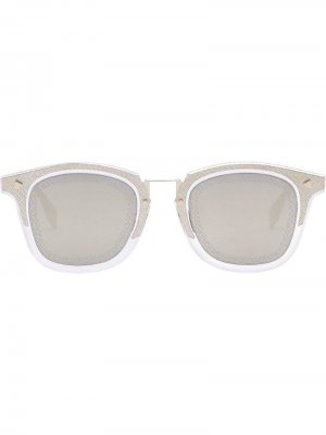 Солнцезащитные очки в квадратной оправе с логотипом FF Fendi Eyewear. Цвет: золотистый