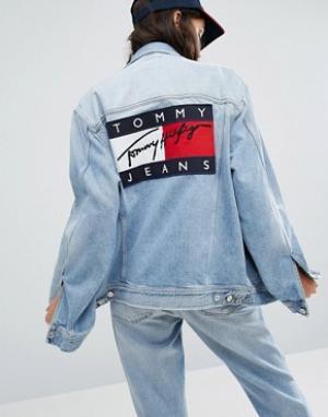Джинсовая куртка унисекс в стиле 90-х Tommy Jeans. Цвет: синий