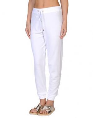 Пляжные брюки и шорты VDP BEACH. Цвет: белый