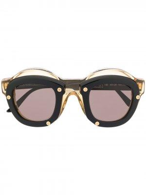 Солнцезащитные очки в двойной круглой оправе Kuboraum. Цвет: черный