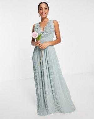 Бледно-лиловое платье макси с кружевной отделкой и присборенной юбкой Bridesmaid-Серый TFNC