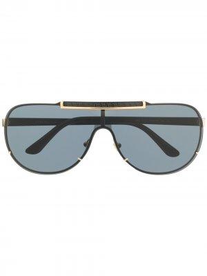 Солнцезащитные очки-авиаторы с логотипом Versace Eyewear. Цвет: серый