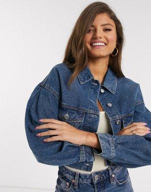Короткая джинсовая куртка с большими карманами -Синий Stradivarius