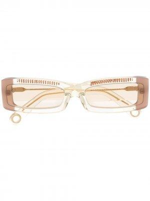 Солнцезащитные очки в прямоугольной оправе Jacquemus. Цвет: желтый