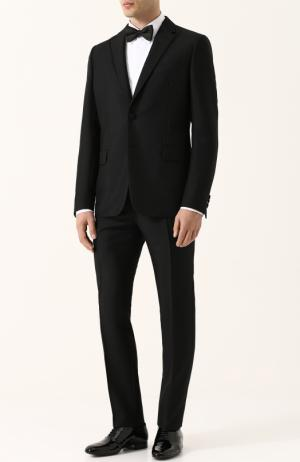Шерстяной приталенный смокинг Valentino. Цвет: черный