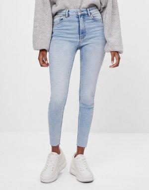Бледно-голубые облегающие джинсы с завышенной талией -Голубой Bershka