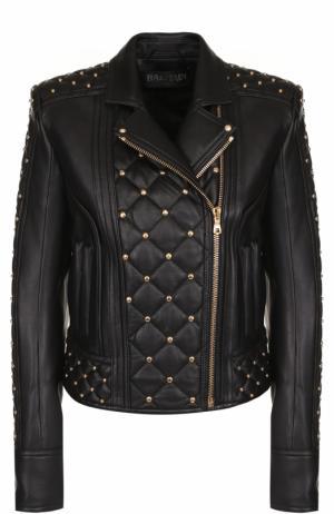 Приталенная кожаная куртка с косой молнией Balmain. Цвет: черный