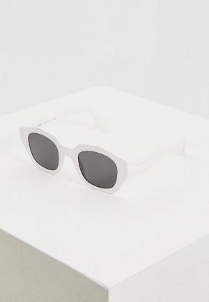 Очки солнцезащитные Burberry BE4288 300787. Цвет: белый