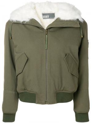 Куртка-бомбер с капюшоном Army Yves Salomon. Цвет: зелёный