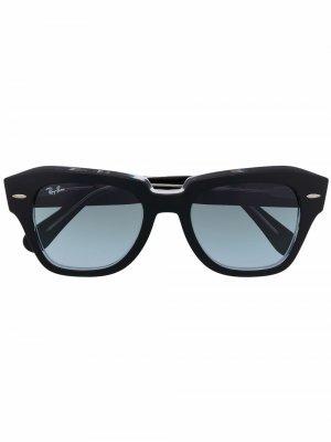 Солнцезащитные очки в квадратной оправе Ray-Ban. Цвет: черный