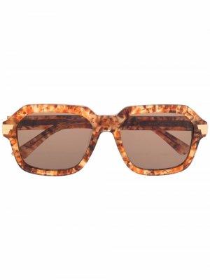 Солнцезащитные очки в массивной оправе Bottega Veneta Eyewear. Цвет: нейтральные цвета