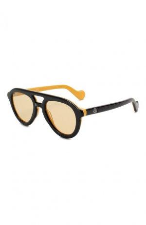Солнцезащитные очки Moncler. Цвет: черный