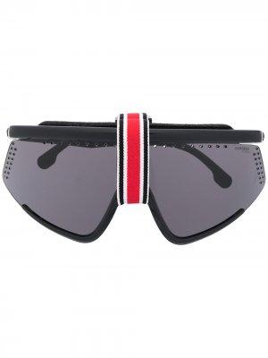 Солнцезащитные очки-маска в массивной оправе Carrera. Цвет: черный