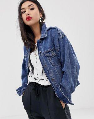 Джинсовая куртка с рваной отделкой Armani Exchange. Цвет: синий