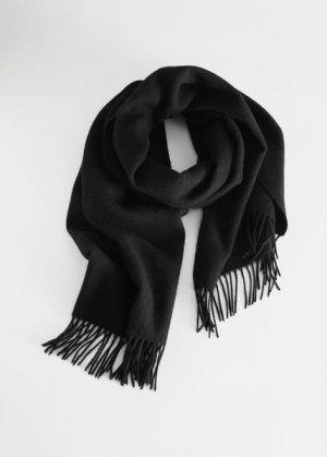 Шерстяной шарф-одеяло с бахромой &Other Stories. Цвет: черный