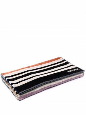 Пляжное полотенце в полоску Missoni Home. Цвет: черный