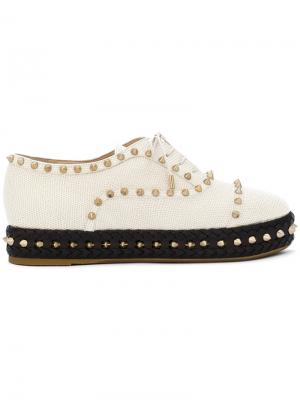 Туфли на платформе с заклепками Charlotte Olympia. Цвет: белый