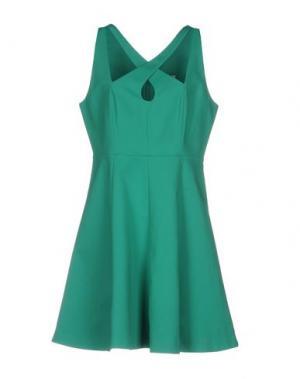 Короткое платье HALSTON. Цвет: зеленый
